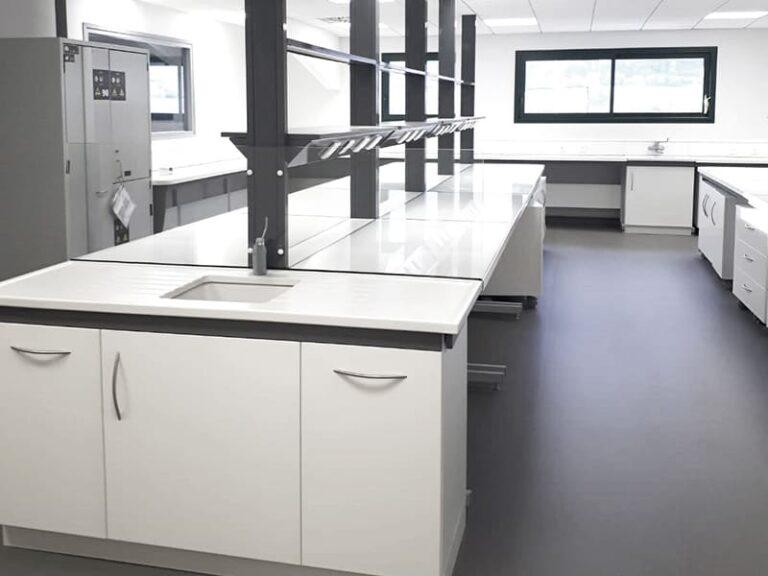 Aménagement et mobilier de laboratoire